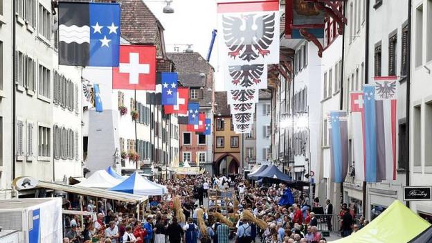 Strassenumzug in Aarau.