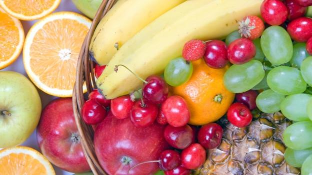 Verschiedene Früchte.