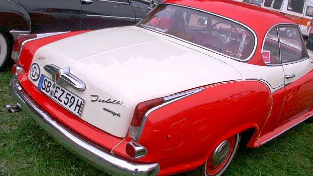 Auto im Look der Fifties.