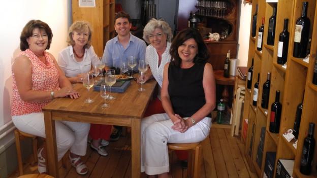 Roman Portmann mit den Geschwister Biberstein, (v.l.n.r.) Margret, Ruth, Marie-Louise und Dorli.