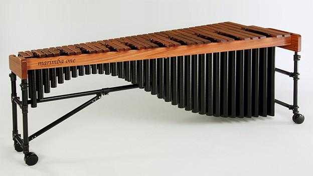 Ein Schlaginstrument aus Holz.