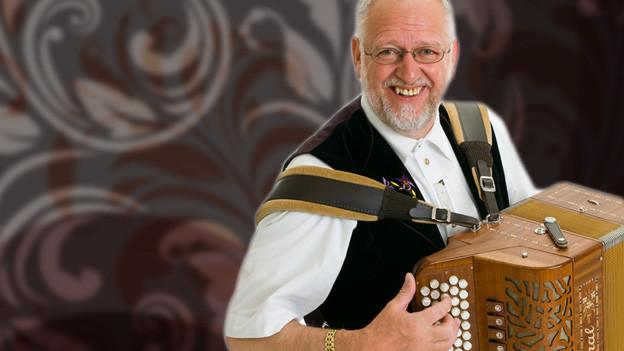 Wili Valotti spielt Akkordeon.