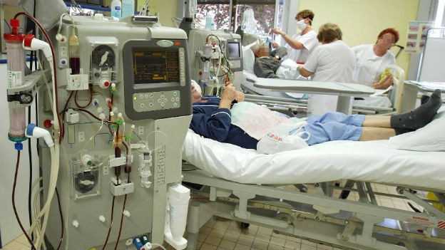 Eine Dialysestation im Spital.