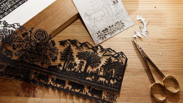 Kunstwerke auf Papier: Das Saanenland ist bekannt für seine Scherenschnittkünstler.