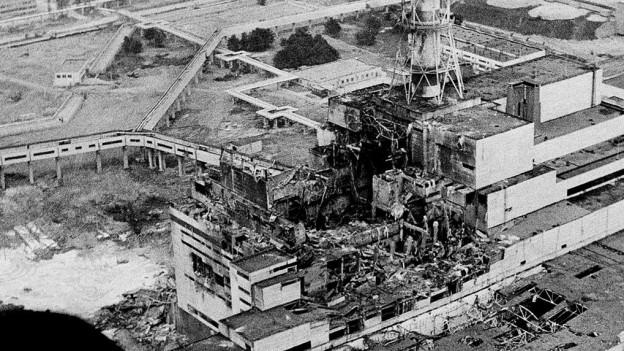 Der Unglücksreaktor von Tschernobyl, wenige Tage nach der Katastrophe 1986.