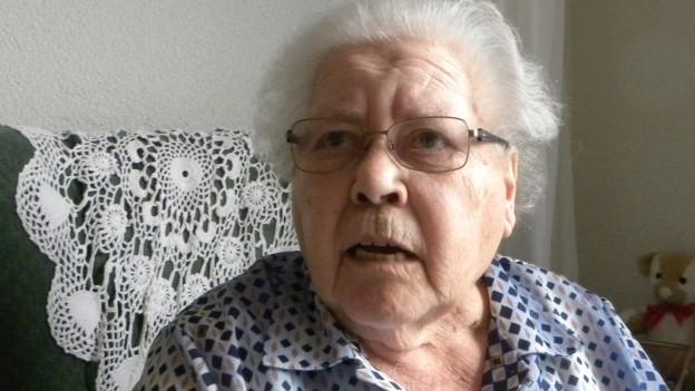 Ruth Schnyder in ihrem Zimmer im Altersheim.