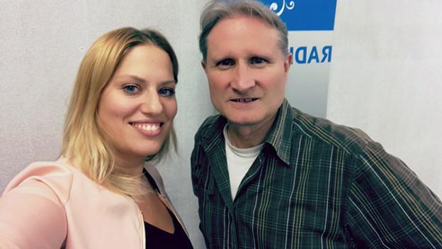 Selfie von Gast und Moderator.