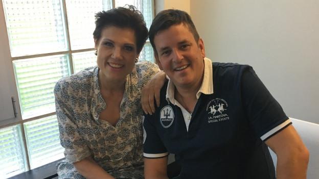 Marc Pircher und Maja Brunner auf Bank.