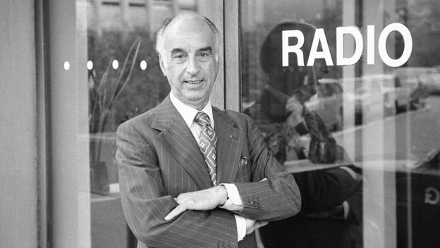 Cedric Dumont vor dem Radiostudio in Zürich (Sept.1976).