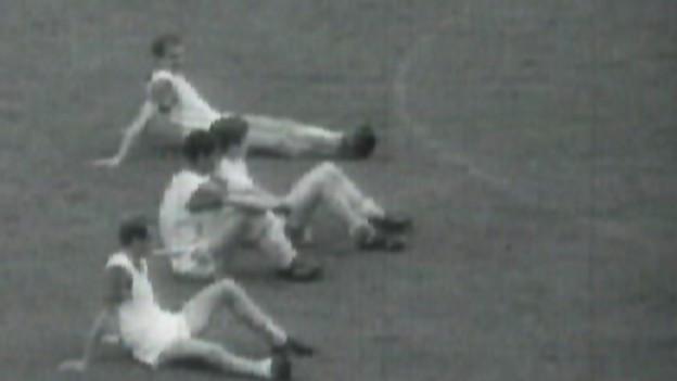 Spieler von Lausanne Sports 1967: Einfach nur müde? Oder im Sitzstreik?