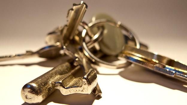 Viele verschiedene Schlüssel an einem Bund.