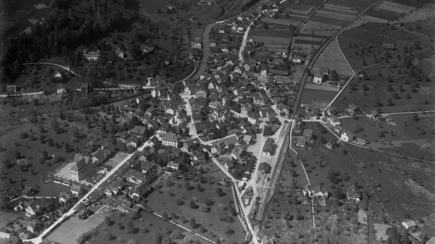 Sarnen, historisches Luftbild von 1919, aufgenommen aus 150 Metern Höhe von Walter Mittelholzer.