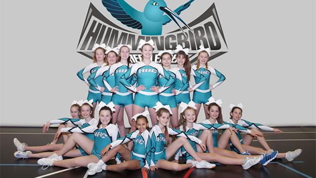 Eine Gruppe von Cheerleaderinnen.