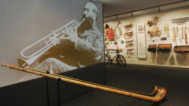 In der klingenden Sammlung gibt es viel Raum, um Instrumente selber auszuprobieren.