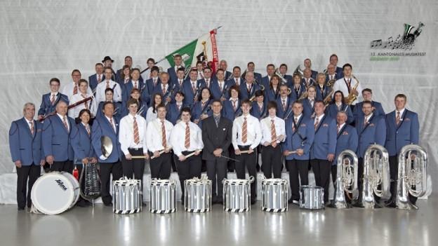 Formation mit ca. 30 Mitglieder.