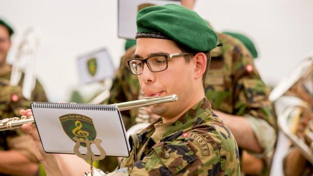 Die Märsche wurden hauptsächlich von Milizspielen der WK-Einheiten eingespielt.
