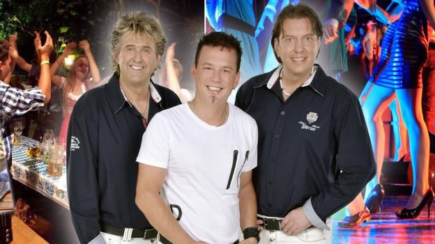 Drei Männer und im Hintergrund Bilder aus Oktoberfest und Disco.
