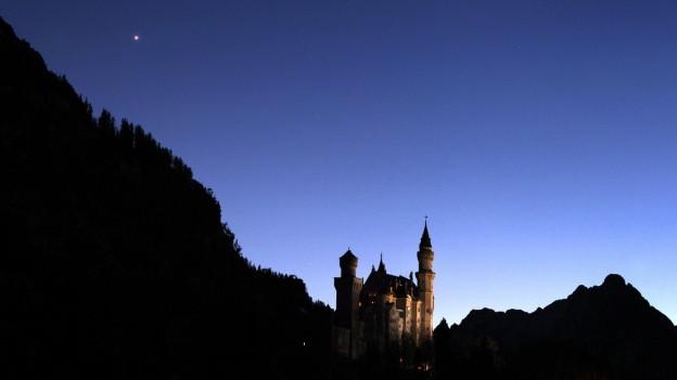 Abendstern leuchtet über dem Schloss Neuschwanstein.