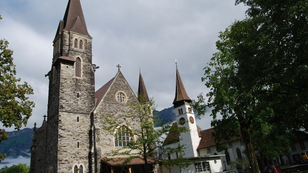 Katholische und reformierte Kirche von Interlaken.