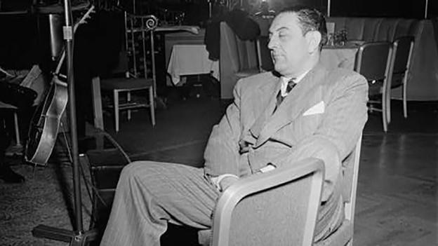 Porträt von Guy Lombardo, Sternenlichtdach, Waldorf-Astoria, New York.
