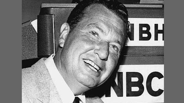 Phil Harris in einer Fernsehrolle im Manhattan Tower im Jahr 1956.