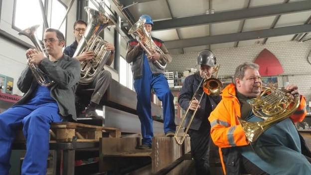 Fünf Musiker der SBV-Arbeitsgruppe haben sich zum Quintett «Low 5» formiert (v.l.n.r. Julien Roh, Daniel Schädeli, Thomas Rüedi, Armin Bachmann, Lukas Christinat).
