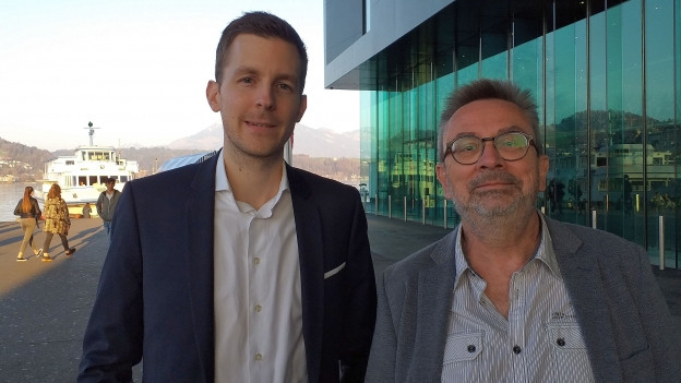 Alain Kamm (OK-Präsident «StadtMusikFest») und Urs Neuburger (Bandmanager Stadtmusik Luzern) auf dem Europaplatz, wo die Stadtmusik am 18. Mai 2019 ihren 200. Geburtstag feiern wird.