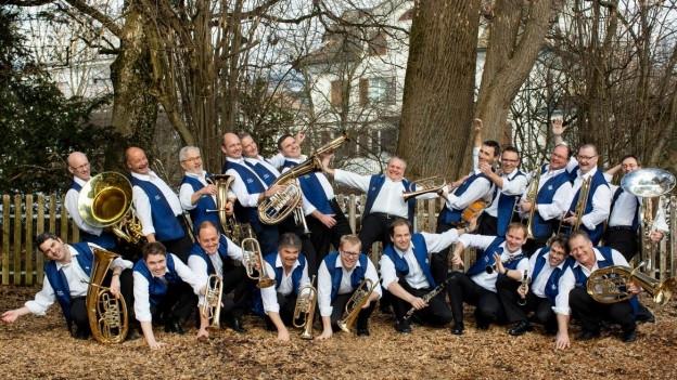 Die Blaskapelle Etzel-Kristall anlässlich der Aufnahmen für die CD «...das haut di um!» im Februar 2019.