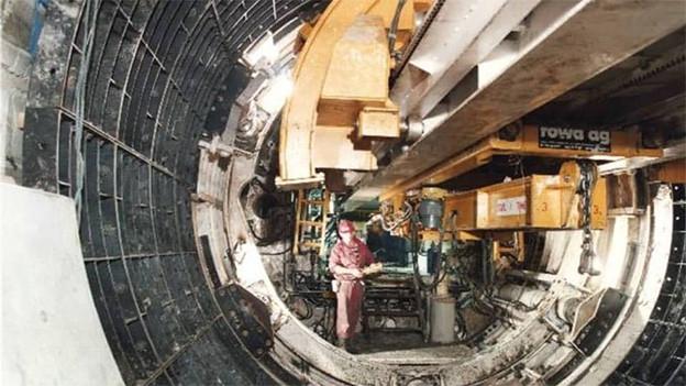 Ein riesiger Bohrer für den Tunnelbau.