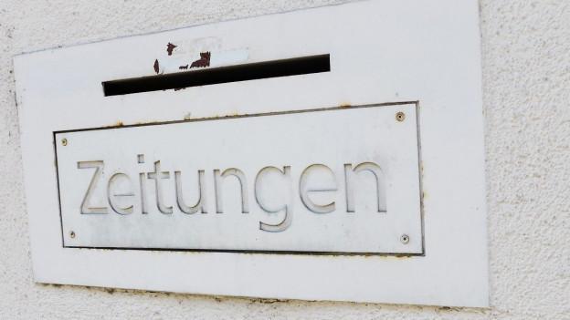 Zeitungsschlitz.