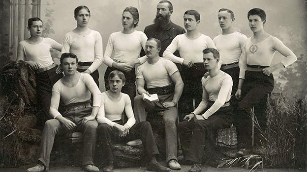 Nostalgische Fotografie von einer Gruppe Turner.