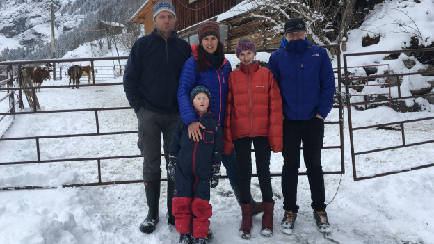 Die Familie von Allmen mit ihren drei Kindern.