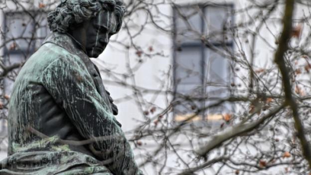 Beethoven-Denkmal am Beethovenplatz in Wien.