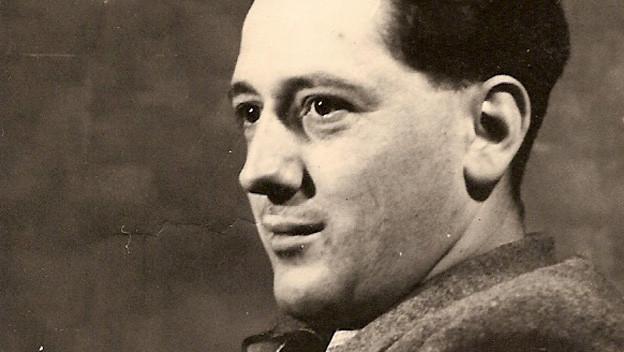 Schwarzweissfoto des Komponisten.