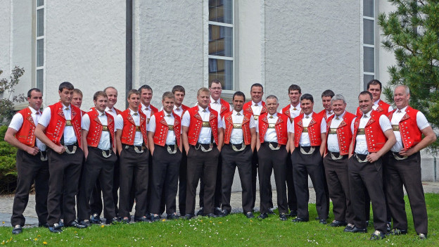 Eine Gruppe Männer von einem Jodelchor.