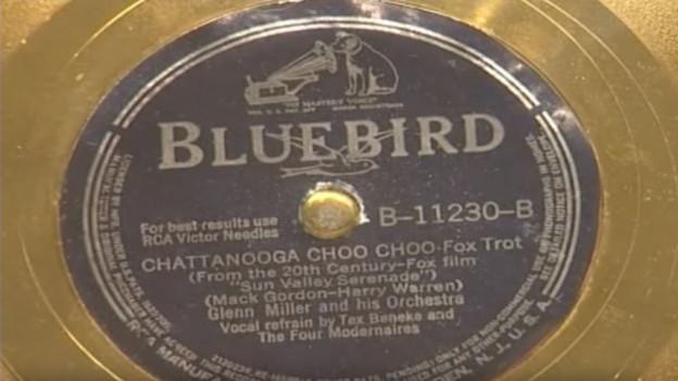 Grossaufnahme einer Goldenen Schallplatte.