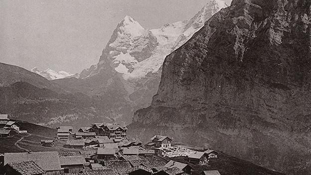Ein Dorf in den Bergen.