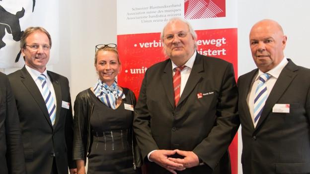 V.l.n.r.: Peter Flück (OK-Präsident EMF 2021), Iris Huggler (OK EMF 2021), Valentin Bischof (Präsident SBV), Lorenz Krebs (OK EMF 2021).