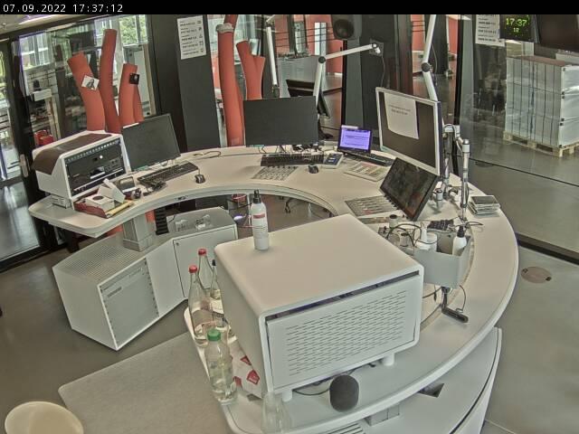 Hier sehen sie ein aktuelles Bild der Webcam Radio SRF 1 – Kamera 2 Studio
