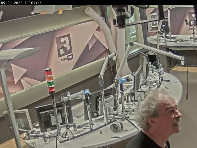 Klick dich zu SRF 3 ins Studio!